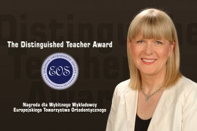 Dr hab. n. med. Ewa Czochrowska z nagrodą The Distinguished Teacher Award EOS